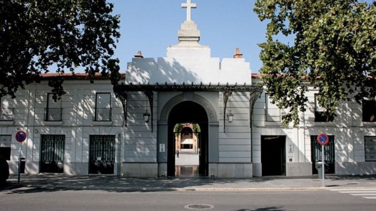 Valencia cierra cementerios y salas de velatorio para contener la propagación del coronavirus