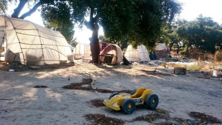 Investigan la muerte de una mujer en Huelva tras hallar heridas en su cuerpo