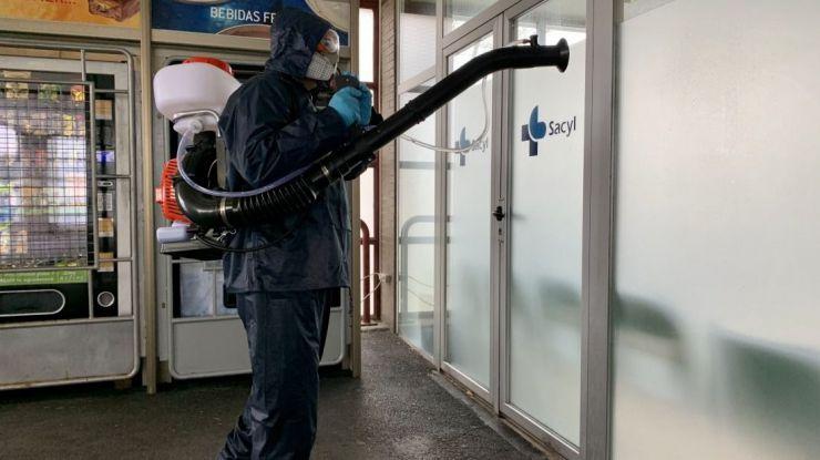 La Diputación de Ávila desinfecta el Hospital Ntra. Sra. de Sonsoles