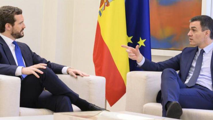 Sánchez y Casado tendrán una cita el lunes a la que ambos llegan sin esconder su desconfianza mutua