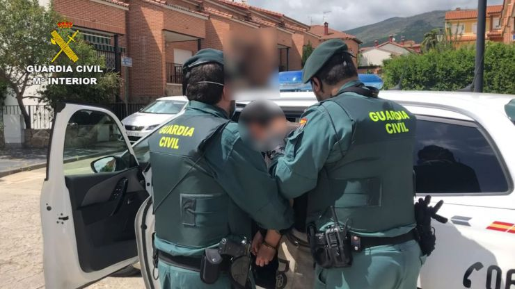 La Guardia Civil desmantela varias plantaciones de marihuana en Ávila y Cádiz