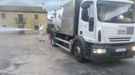 La Diputación de Ávila baldea las calles de una media de 80 municipios a la semana