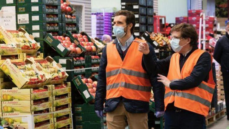 Casado pide al Gobierno que los trabajadores de sectores esenciales cobren su sueldo bruto