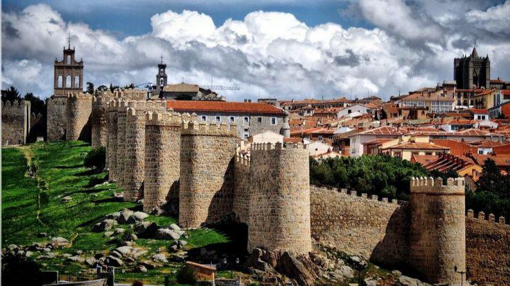 Propuestos para sanción en Ávila por reunirse para beber cervezas acompañados de menores saltándose el confinamiento