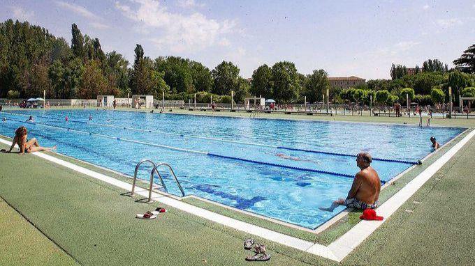 Almeida se plantea abrir las piscinas de Madrid 'con todas las medidas de seguridad'