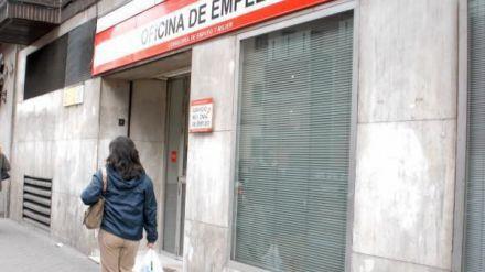 La ocupación en España baja en 285.600 personas, sin incluir a los afectados por ERTE
