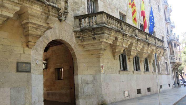 18 años y medio de prisión por abusar sexualmente de sus hijastras en Menorca