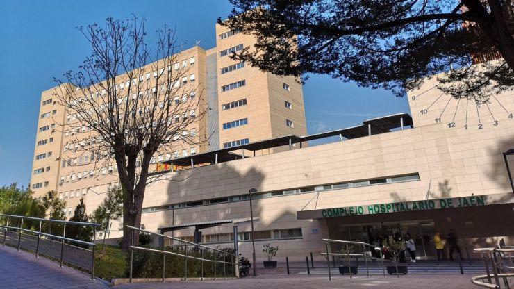 Herida una bebé al caer desde una segunda planta en Jaén