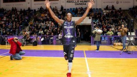 El histórico jugador de baloncesto Shay Miller se retira