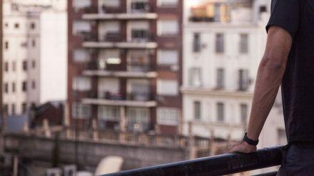 Un joven es detenido por intentar tirar por el balcón a su compañera de piso