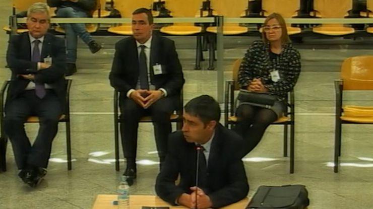 La espera de Trapero: Desde 10 años de prisión a una multa por desobediencia
