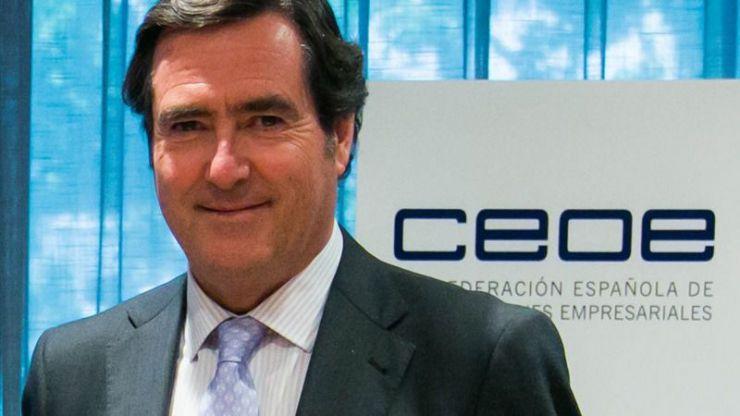 CEOE urge a extender los ERTE más allá de junio: