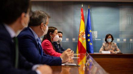 Ayuso en pie de guerra: Ve peligrar su puesto tras el acercamiento de PSOE y Ciudadanos