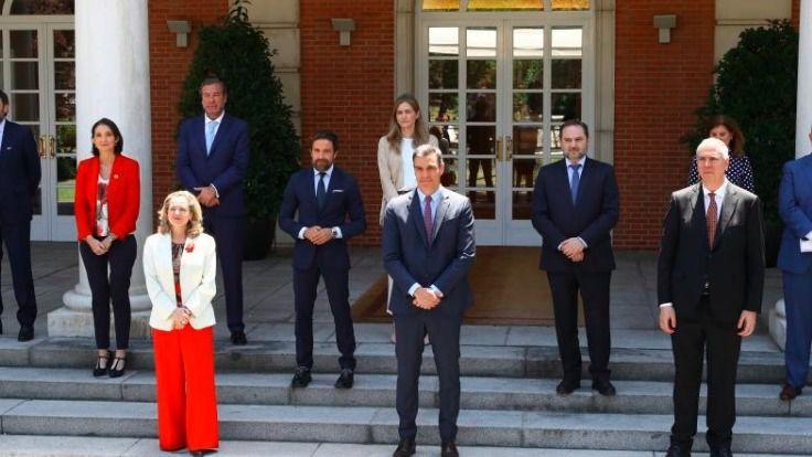 Sánchez anuncia que hará 'lo que haga falta' para 'amortiguar las enormes pérdidas' del sector de la automoción