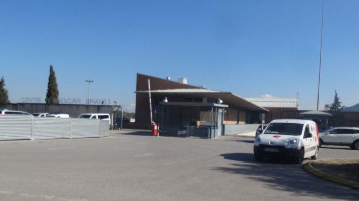 Sorprendidas bebiendo 'cubatas' en un centro penitenciario a base de gel hidroalcohólico