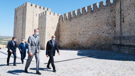 España y Portugal reabren la frontera más larga y antigua de Europa esperando 'que no se vuelva a cerrar jamás'