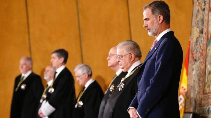 El Rey pone en valor al Constitucional en sus 40 años de existencia