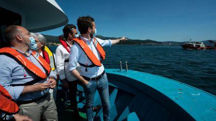 Casado pide en Galicia que 'nadie se quede sin decidir su futuro' porque votar es 'plenamente seguro'