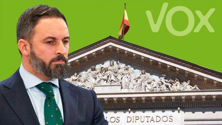 VOX se querella contra el presidente de Correos y el secretario General por el secuestro de los sobres electorales