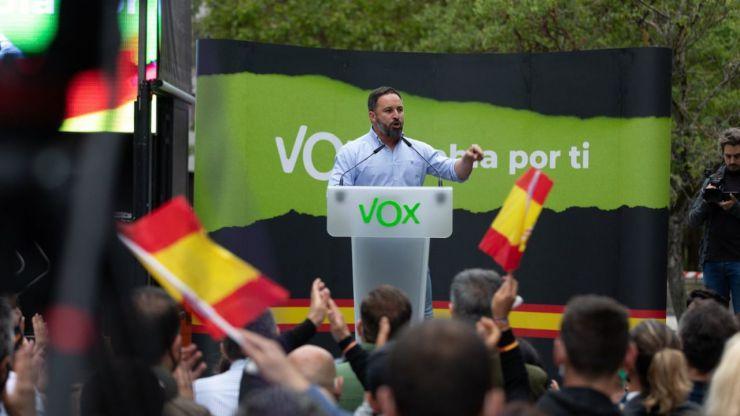 Abascal asegura que el escaño vasco consolida a Vox como alternativa al bipartidismo