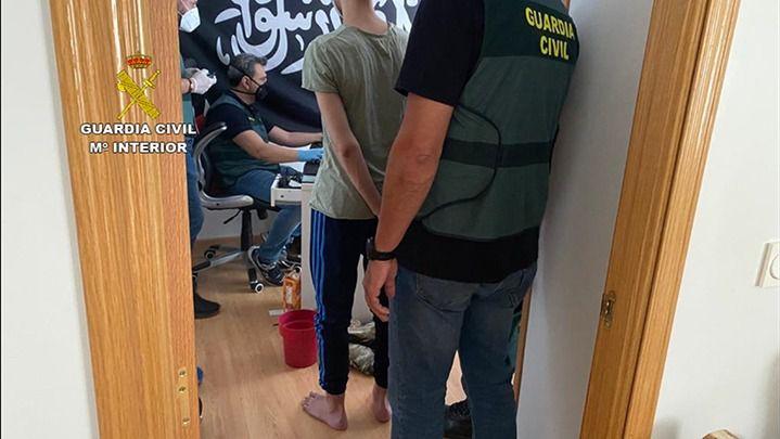 Detenido un joven por utilizar plataformas de videojuegos para difundir propaganda de DAESH