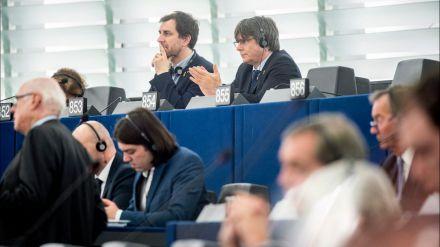 Puigdemont inicia la precampaña llamando 20 veces desleal a ERC