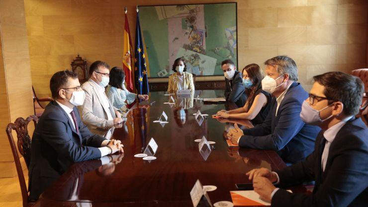 Calvo defiende la reunión con Ciudadanos ante Podemos: