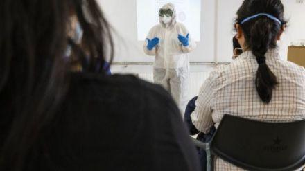 La falta de EPI y pruebas diagnósticas mermaron la capacidad de respuesta a la epidemia