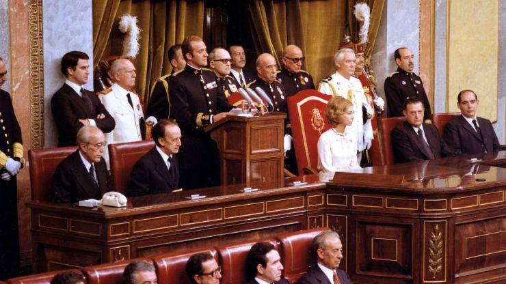 70 personalidades políticas firman un manifiesto en apoyo al rey Juan Carlos I