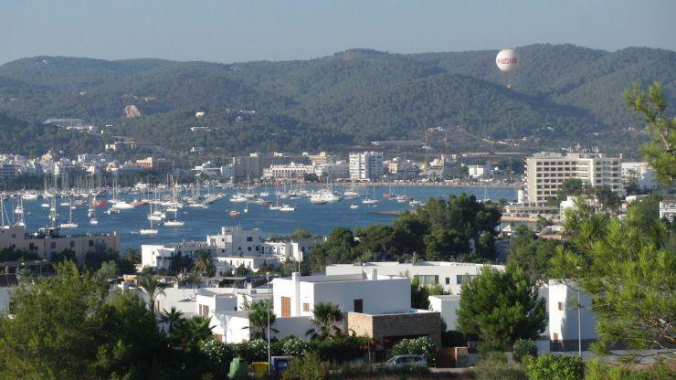 Encuentran el cuerpo sin vida de una joven de 23 años en un hotel de Ibiza