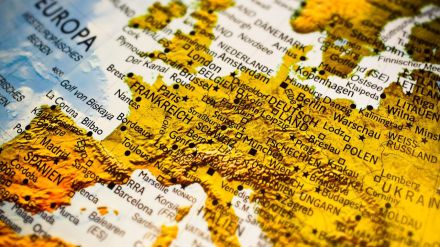España mantiene la tasa de paro de junio pero ya es la más alta de Europa