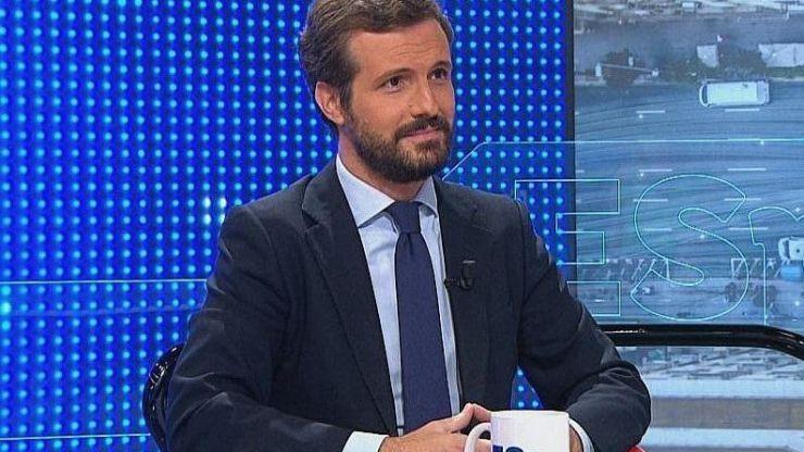 Casado cree que Sánchez le pide su apoyo para 'neutralizarle' como oposición