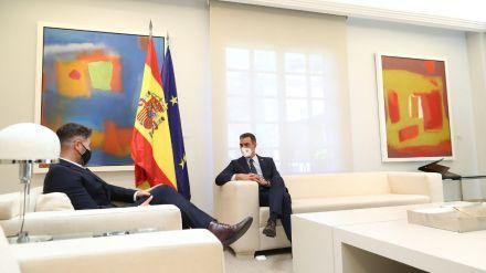 Sánchez acepta la petición de Rufián de reunir la mesa de diálogo con la Generalitat a mediados de mes