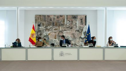 Montero cree que 'no es el momento ni de vetos ni de trincheras, sino de trazar puentes'