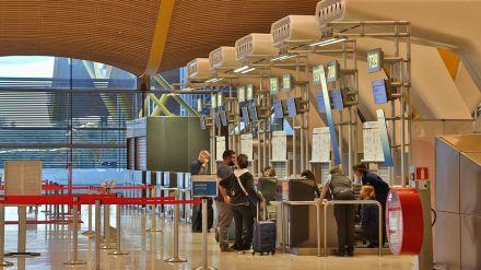 Agosto registra un 70% menos de pasajeros en los aeropuertos españoles
