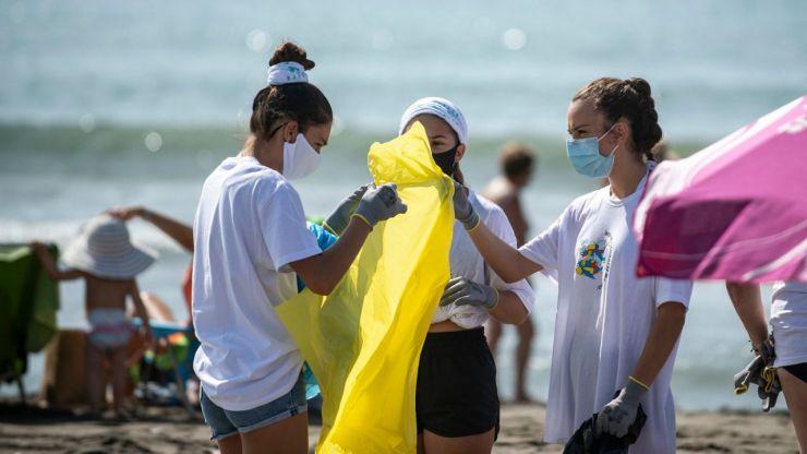 '1m2 por las playas y los mares' para luchar contra la 'basuraleza'