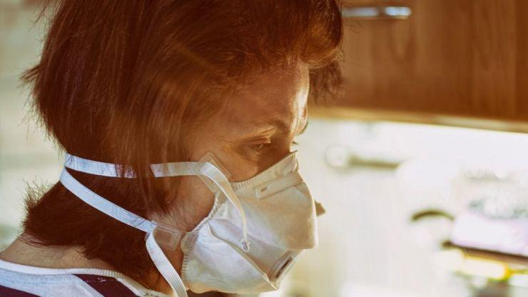Cuidado con los sitios cerrados: El coronavirus se contagia por el aire al inhalar el patógeno