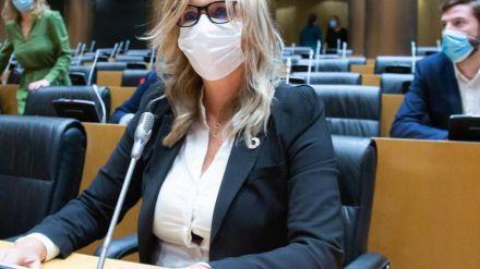 Ana Prieto recuerda al PP que 'no somos sus enemigos, es el virus el enemigo de todos'