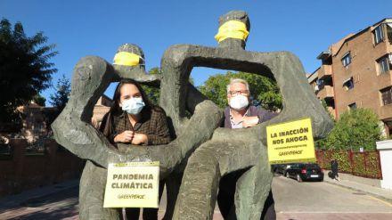 """Pandemia climática: Greenpeace se moviliza ante una """"inacción"""" que """"nos ahoga"""""""