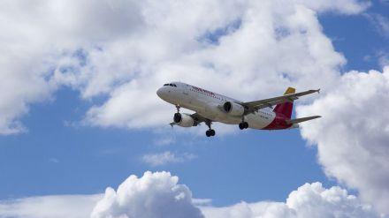 Desplome en vuelos nacionales e internacionales hasta un 56,0% y un 89,8% respectivamente