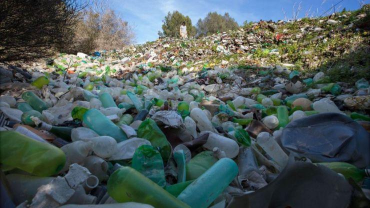Greenpeace presenta un informe evidenciando el fracaso de Ecoembes