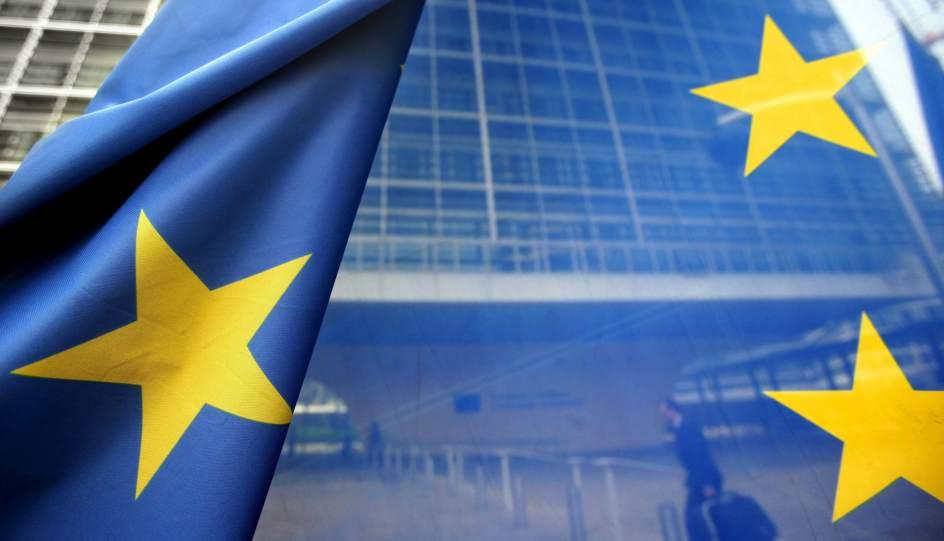 La Comisión Europea vuelve a dar apoyo explícito a Rajoy