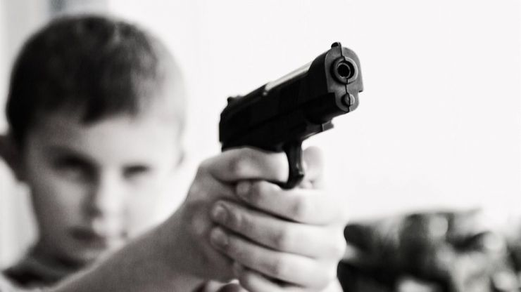Se dispara en el pecho con solo tres años en su fiesta de cumpleaños