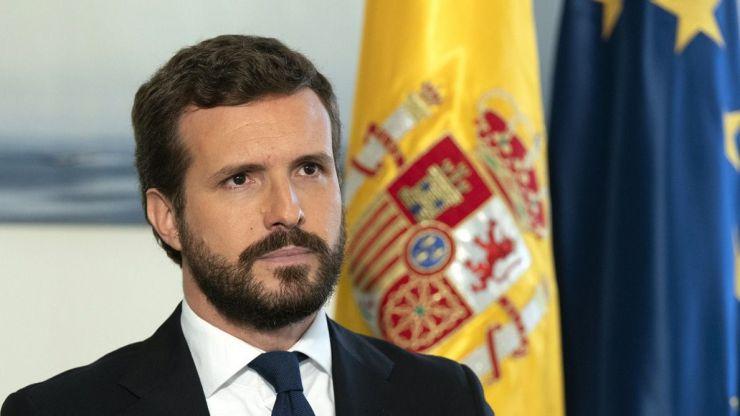 Casado propone a Sánchez acelerar el 'plan B' jurídico