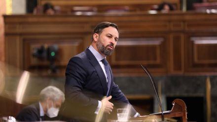 Abascal en el Congreso: 'Aquí la España que se sube los sueldos; ahí fuera, la España arruinada'