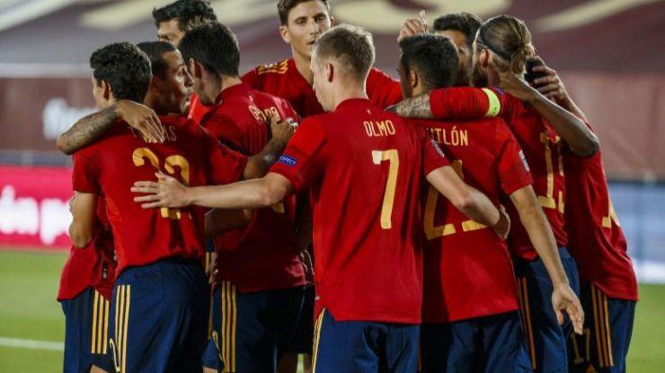Weibo recibe a la Selección Española de Fútbol