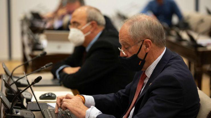 Vox insta al Ejecutivo a revisar sus relaciones con gobiernos