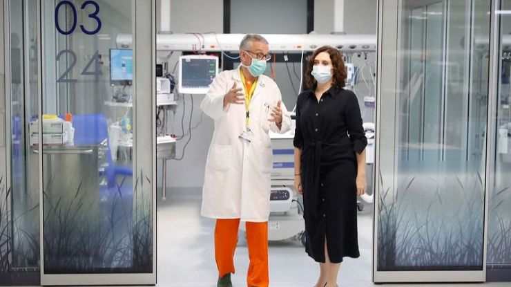 Ayuso: 'Nos gustaría poder llevar los test de la Comunidad de Madrid a las farmacias'