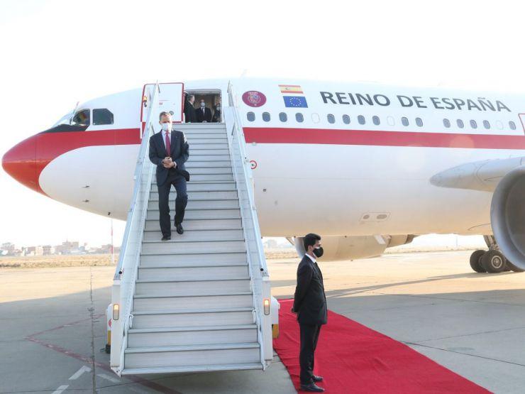 Abascal acusa al Gobierno de 'pisotear a España humillando al Rey'