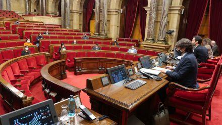 Sondeos: El PSC en liza frente a la caída de Cs en Cataluña y la irrupción de Vox en el Parlament